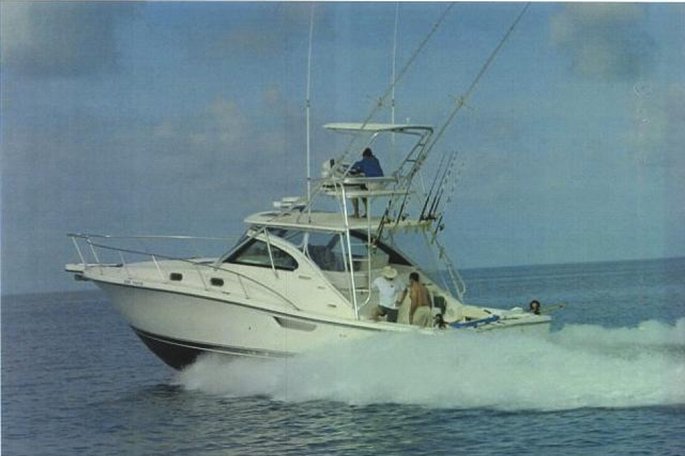 2003 Pursuit 3800
