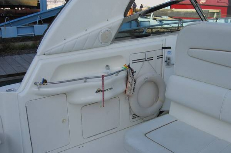 1997 Sea Ray 400 Sundancer - FRESH WATER ONLY!