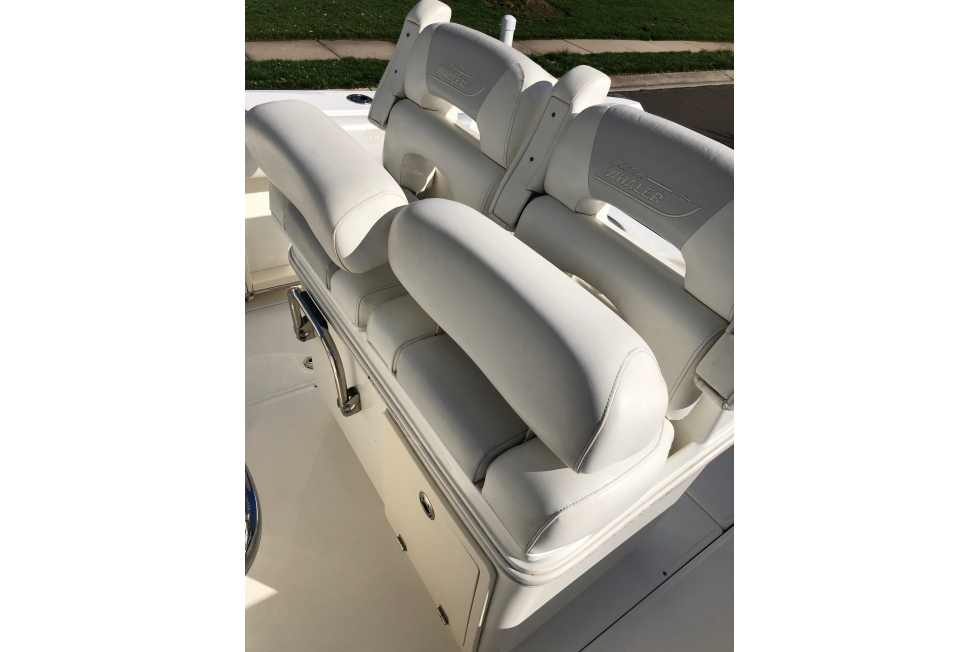 2009 Boston Whaler 280 Outrage